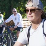 Robin keeps svelte figure in shape on bike ride with husband Clement